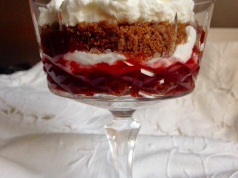 Dessert di Pane di Segale e Loganberry
