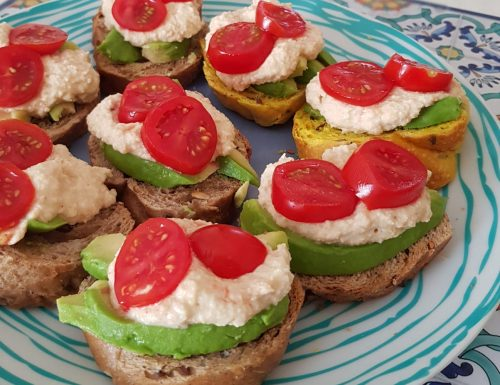 Avocado Hummus Cream  Sandwiches