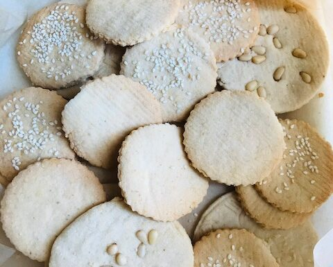 Light Almond Rice Cookies