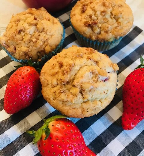 Crunchy Top Strawberry Muffins